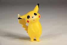 L010150 Pokemon - Pikachu #25 - Gen 1 Tomy Figure - 1998 / With Pog Disc