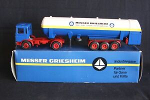 "Conrad M.A.N 2 Axle truck with tank trailer ""Messer"" 1:50 #3023 (J&KvW)"