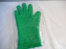 Green silicone Menards oven mitt