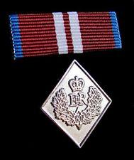 Canadian Queen Elizabeth II Diamond Jubilee Medal Undress Ribbon Bar & Lapel Pin