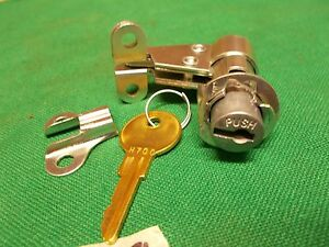 Tool box lock Perfect reproduction A2899  Fits Willys MB Ford GPW WWII jeep G503