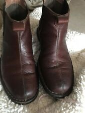 CLARKS Mens Brown Leather Ankle Boots Pull On Western Round Toe Size 8 M