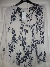 LADIES M AND S CLASSIC IVORY MIX TOP BLOUSE  SIZE 8 BNWT FREE POSTAGE