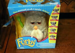 "Furby 59294 Hasbro 2005 Emoto-Tronic  ""Grey"" Pink Eyes - New in Box, Spoon"