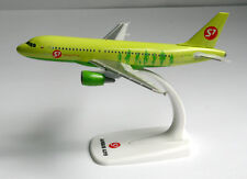 S7 Airlines-airbus a319 - 1:200 - Herpa SNAP-fit modelo 611909 a319-100 VH-bhq