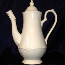 JOHNSON BROTHERS ENGLAND RICHMOND WHITE COFFEE POT 48 OZ WHITE EMBOSSED TRELLIS