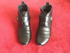PAIR LADIES BLACK LEATHER ANKLE BOOTS SIZE 6