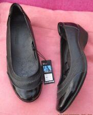 NWT~M&S FOOTGLOVE ~Soft LEATHER Wedge Heel BALLERINA PUMPS BLACK SZ. 5.1/2.WIDE