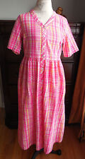 NWOT NATIONAL PINK PLAID 100% COTTON WOMENS ROBE, HOUSECOAT, BRUNCH COAT SMALL