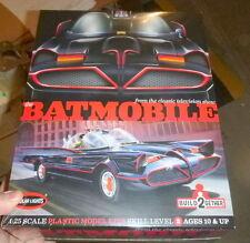 Polar Lights Batman 1966 TV Series Batmobile 2 Kit Set Model Car Mountain FS