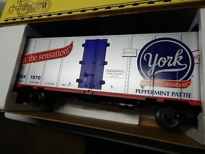 NIB Aristo Craft  Hersheys-York Peppermint Pattie Reffer Car 1:29 #1 Gauge