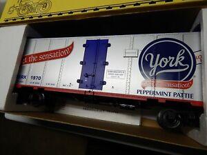 NIB Aristo Craft Hersheys-York Peppermint Pattie Reffer Car 1:29 #1 Gauge