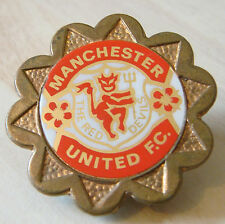 MANCHESTER UNITED vintage 1970 80s Insert type badge Brooch pin Gilt 34mm x 32mm