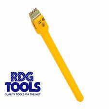 Ck Tools Scutch Chisel 406001 25mm Wide and Comb