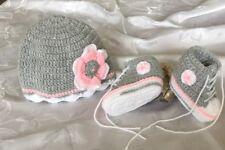 Babychucks Sneaker gehäkelt mit Mütze Set helgrau rosa für ca.0-5 Mon. Sohle 9cm