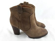 """CLARKS INDIGO Boots Brown Distressed Suede Leather 3"""" Heel Womens size 8 M"""
