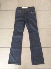 < BNWT>   LEVIS  Signature    Ladies  Boot cut Jeans     Size 25