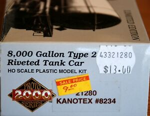 Kanotex 21280 8,000 Gal Riveted Tank Car Proto 2000 HO