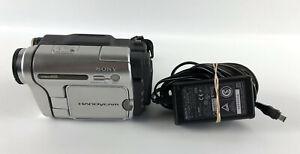 Sony Handycam videoHi8 CCD-TRV138 Video Camera Camcorder 990x * NO BATTERY *