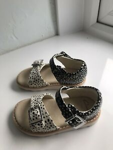 clarks shoes infant girls size 5.5 new sandals
