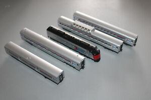 KATO Train Set Amtrak 5-teilig with Diesel Locomotive E8A N Gauge
