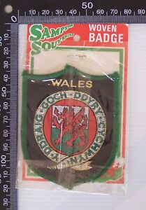 VINTAGE WALES UK EMBROIDERED SOUVENIR PATCH WOVEN CLOTH SEW-ON BADGE