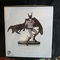 Batman-Black & White Statue by Tony Millionaire EE Exclusive (Ltd Edition 520...