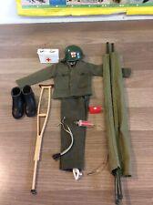 Vintage Action Man Medic uniforme y accesorios