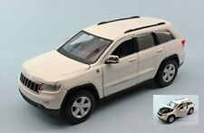 Jeep Grand Cherokee Laredo 2011 White 1 24 Model 31205w Maisto