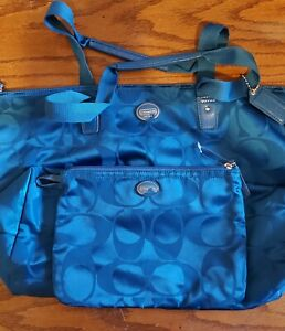 NEW- Coach Getaway Signature Nylon Packable Weekender Bag Cool Blue F77321