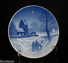 "B & G 1965 Bing Grondahl 5 Year Jubilee Christmas Plate - ""Church Goers"""