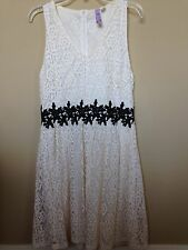 EUC ALYA Francesca's Lace Floral Patterned Lined Dress White Black Size MEDIUM