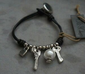 """NWT Uno De 50 Brown Leather Silver Key Pearl Charm Statement Bracelet 7"""" RETIRED"""
