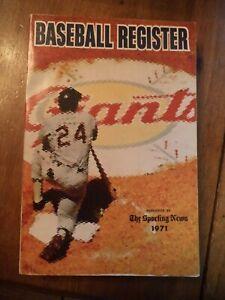 1971 SPORTING NEWS BASEBALL REGISTER  WILLIE MAYS SAN FRANCISCO GIANTS