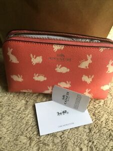 NWT Coach Cosmetic Case 17 Travel Makeup Pouch Crossgrain Leather Bunny