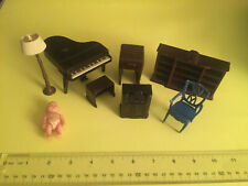 Vintage Renwal and other plastic furniture + early plastic baby doll