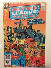 DC COMICS - JUSTICE LEAGUE OF AMERICA - ISSUE #221 DECEMBER 1983