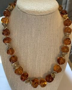 JADED JEWELS MADISON AVE NYC RECONSTITUTED AMBER & GOLD-PLATED BEADED NECKLACE