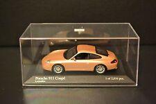 Porsche 911 (996) Coupe 2001 Minichamps diecast vehicle in scale 1/43