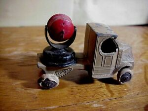 Antique TOOTSIETOY C Cab Mack ARMY TRUCK with Red Spotlight  Diecast Toy
