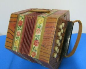 Antique Scholer German Folk BM Accordion Works 1940's East Germany 20 Keys