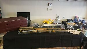 GREEN BAY PACKERS EXPRESS HO TRAIN SET WITH TRACKS, POWER BACHMANN HAWTHORNE