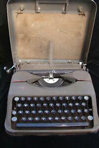 1950 HERMES BABY SWITZERLAND PORTABLE TYPEWRITER German / English Keys  REPAIR
