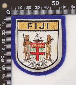 VINTAGE FIJI FIJIAN EMBROIDERED SOUVENIR FELT PATCH WOVEN CLOTH SEW-ON BADGE