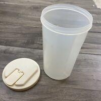 Vtg 2 qt quart rubbermaid Servin Savor indent side screw-on lid Plastic PITCHER