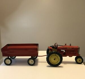 1952 Tru-Scale M Tractor Red MCP001 With ERTL Farm Trailer Made In USA