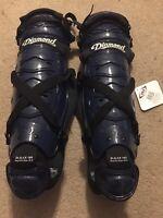 Diamond Core Series DLG- 165 Catchers Leg Guards Posi-fit Size 16.5 Navy Blue