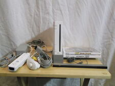 Nintendo Wii Console Bundle 2 Games 1 Controller PLAYS GAMECUBE games