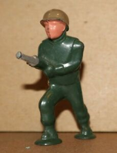 1940s BARCLAY SOLDIER WITH FLAMETHROWER B262 991  LITTLE PAINT LOSS FREE US SHIP