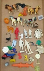 Vintage 34 Pcs Lot Cracker Jack Gumball Machine Charm Prize Premium Plastic Toys